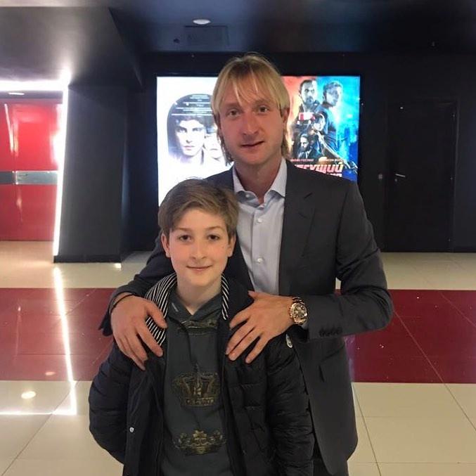 Евгений Плющенко с сыном Егором