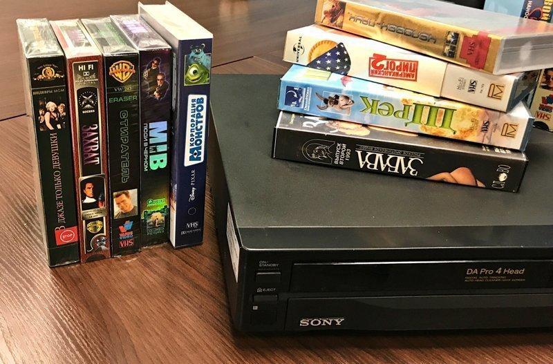 Для хранения кассет покупали специальные шкафчики