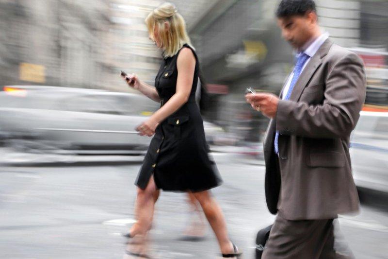 Как переписка в интернете довела до больницы Санкт-Петербург, видео, девушка, метро, невнимательность, смартфон, телефон