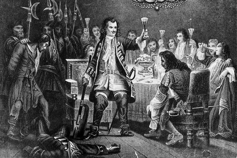 Из напитков царь выбирал анисовую водку, вино и квас. После еды, Петр обычно читал газеты и спал.