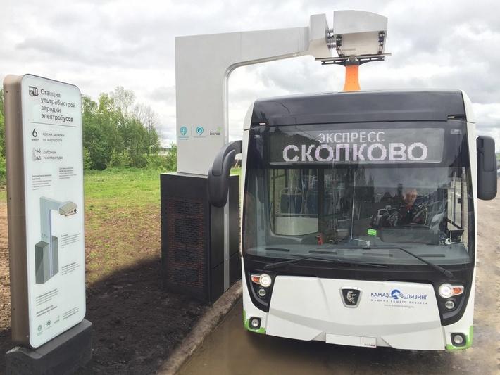 Перед тем как в Москве появились первые электробусы, была создана сеть специальных зарядных станций.