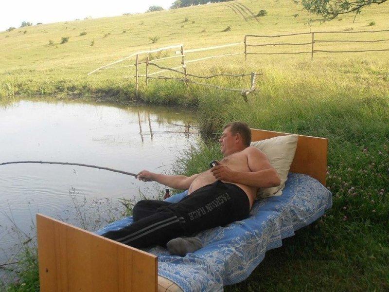 На утренней зорьке, когда не смог встать в 5 утра, а рыбалить уж очень хотелось