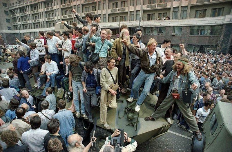 Путч-1991 год. Все воодушевлены происходящим