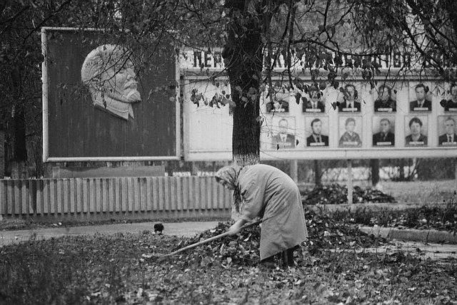 Символы советского времени начнут исчезать с улиц еще не скоро