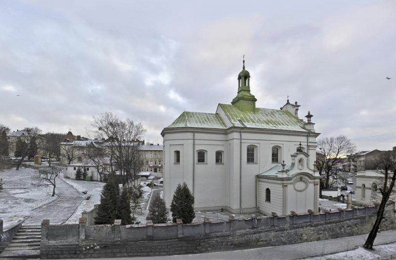 Без спецэффектов и декораций: Замки и костелы, где снимали советского Д'Артаньяна