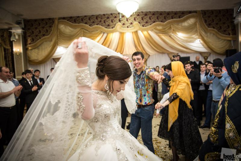 Брачный сезон: Реальные фотографии 10 национальных свадеб России