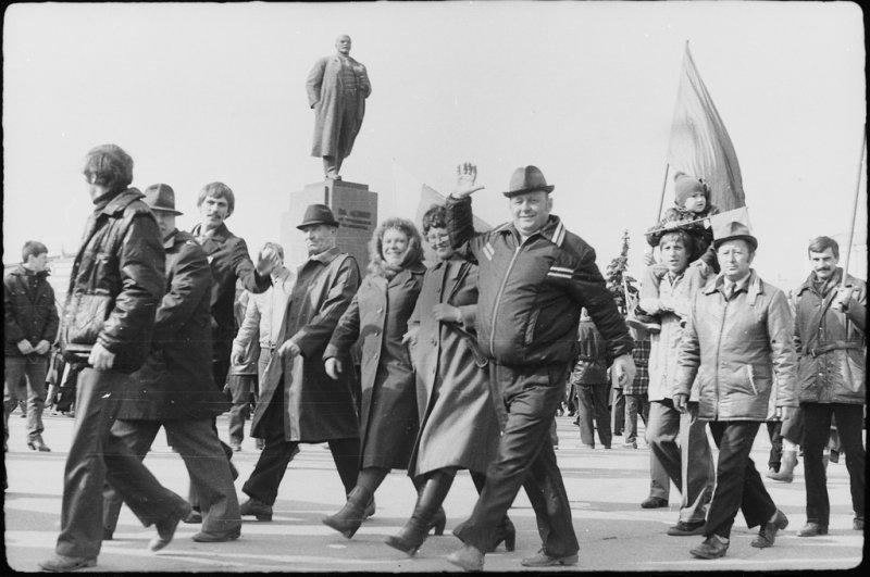 А что же происходило в жизни простых советских людей? Об этом – в нашей подборке фотографий.