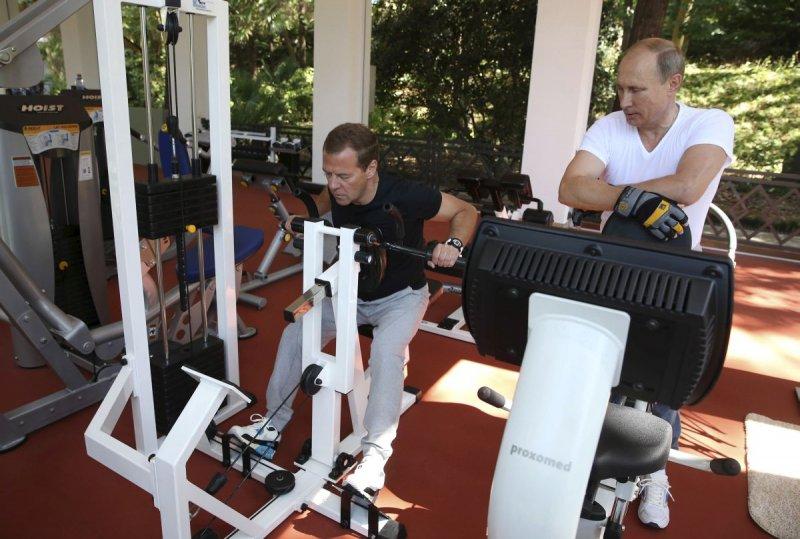 Вот они занимаются вместе фитнесом в Сочи!