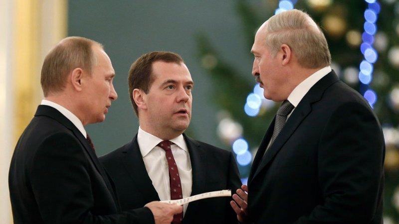 "Три ""президента"" дружба, медведев, путин, тандем"