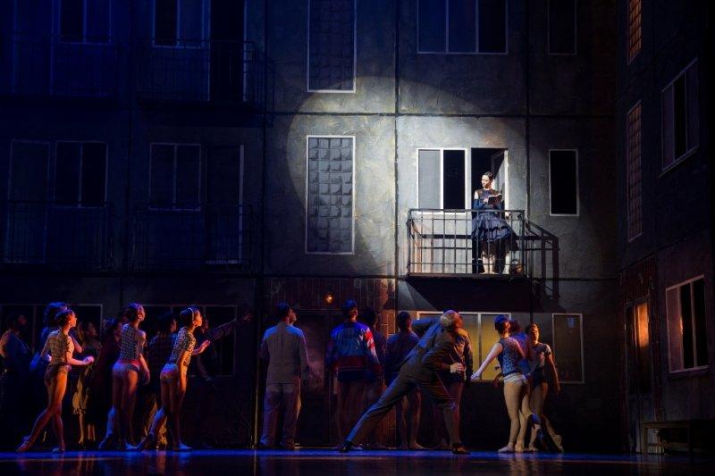 В Москве показали балет про «хрущевки» 60-х и Берию