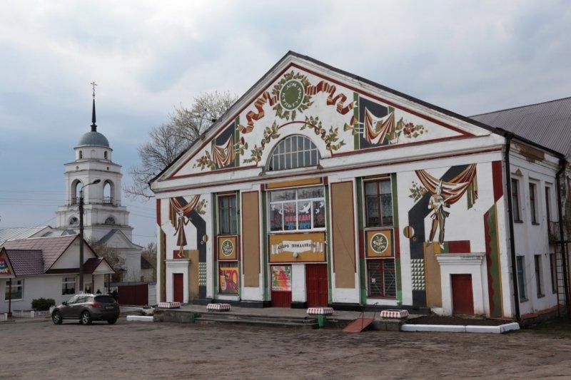 Новосиль, население 3,2 тысячи человек