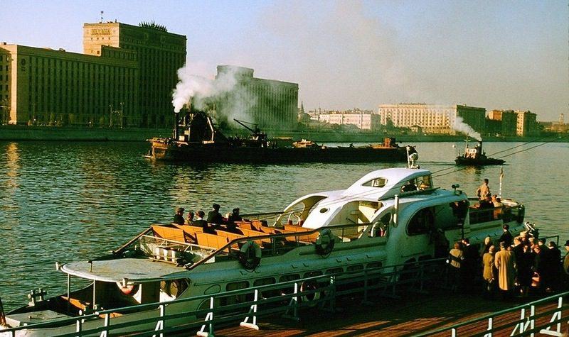 Судоходная Москва-река