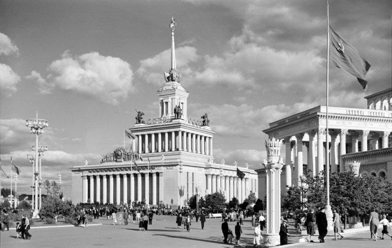 Выставка народного хозяйства знаменует собой величие советской страны