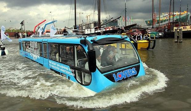 Москвичи сядут в автобусы и поедут по суше и воде как амфибии