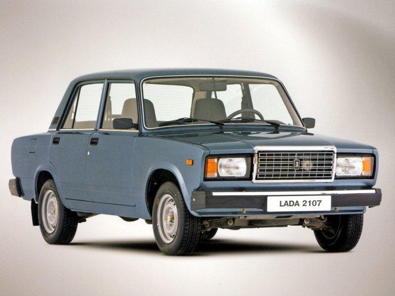 «Лада Седан Баклажан» обосновалась в топ-5 самых популярных подержанных машин РФ