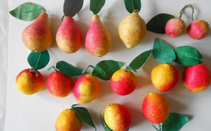 А такие фрукты изготавливались из прессованной ваты: дешево и сердито елочные игрушки, новый год, ностальгия, ссср, стеклянные шары