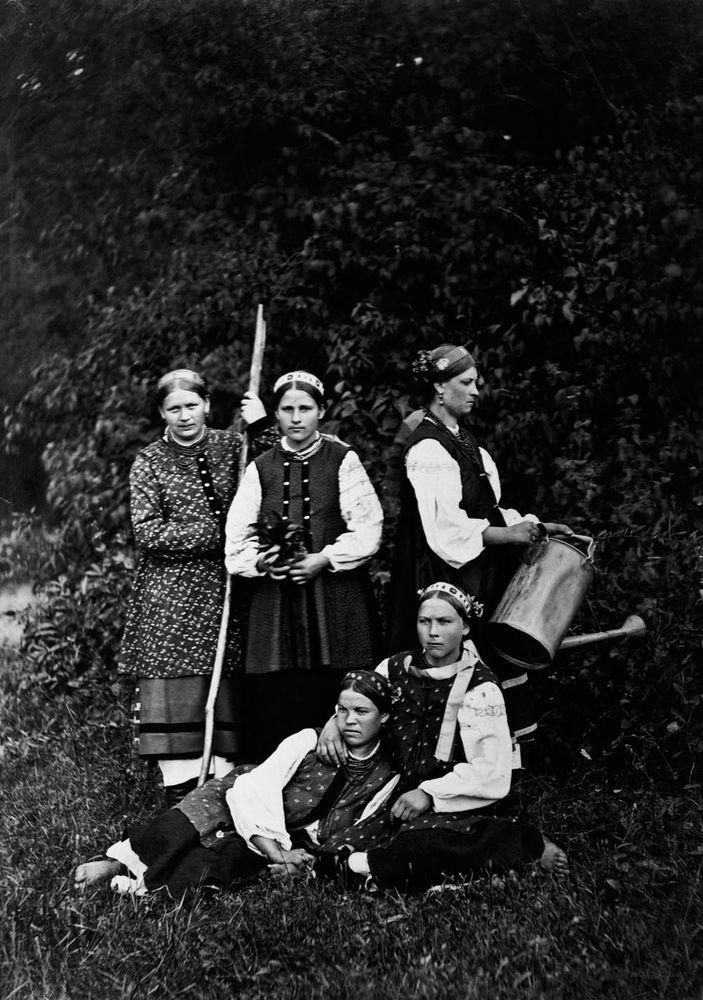 Крестьянские девушки с Юга, 1900 год Россия, дореволюционные снимки, интересно, кадр, факты, фото