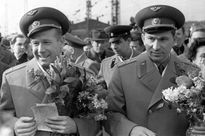 Алексей Леонов: первый в открытом космосе  Алексей Леонов, гонка, космонавт, открытый космос, трудности