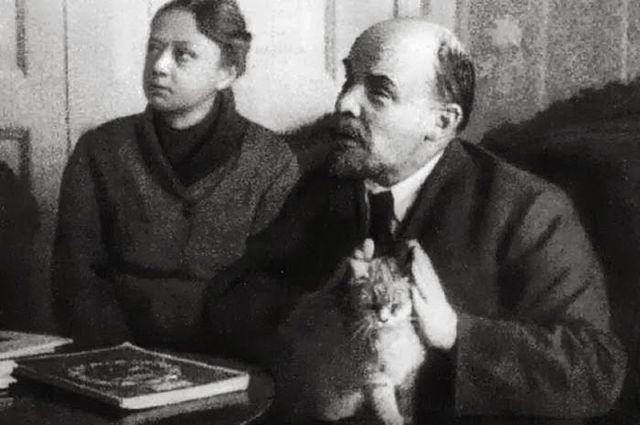 На какие средства жил до революции Ленин?