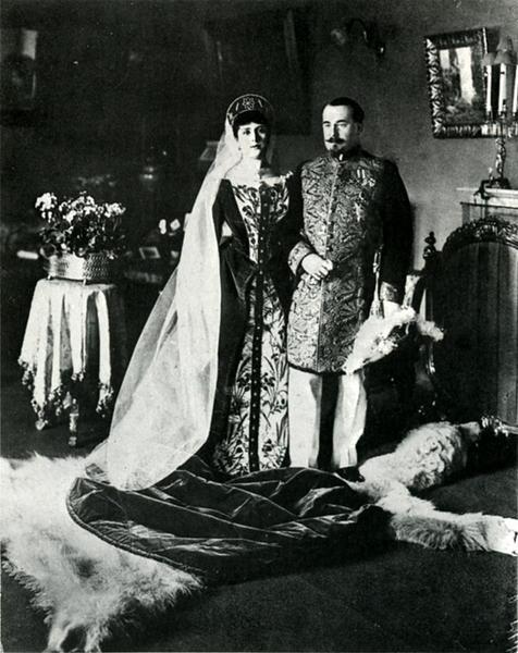 Камергер Сосновский с женой перед отъездом на дворцовый бал, 1913 год Карл Булла, дореволюционная Россия, история, фотография