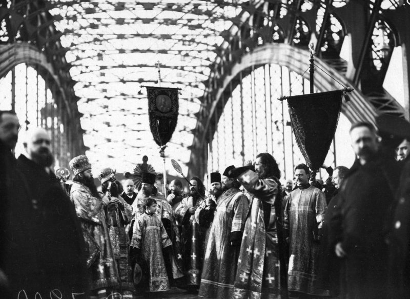 Молебен по случаю открытия моста им. Петра Великого, 1911 год Карл Булла, дореволюционная Россия, история, фотография