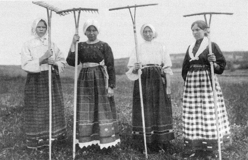 Молодые крестьянки, Ярославская губерния, 1915 год