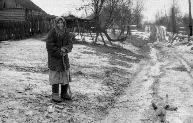 Бабушка рада любому общению, поскольку долгие годы жила одна в позабытой Богом глухой деревне