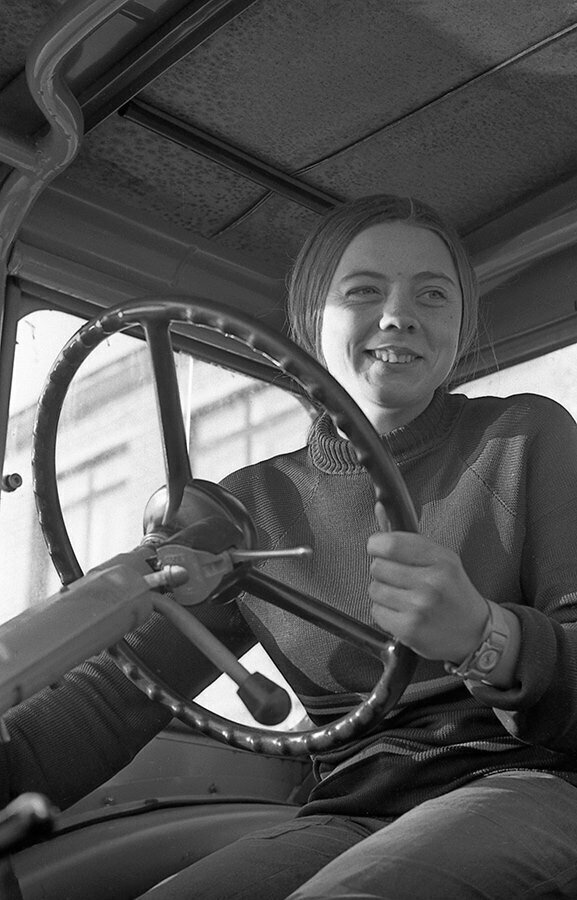 Школьница, которая мечтала стать водителем трактора, 1974 год