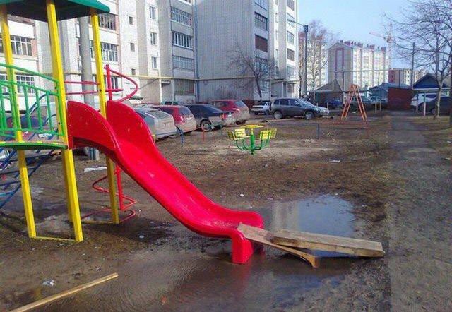 С заботой о детях Россия, архитектура, иностранцы, прикол, юмор