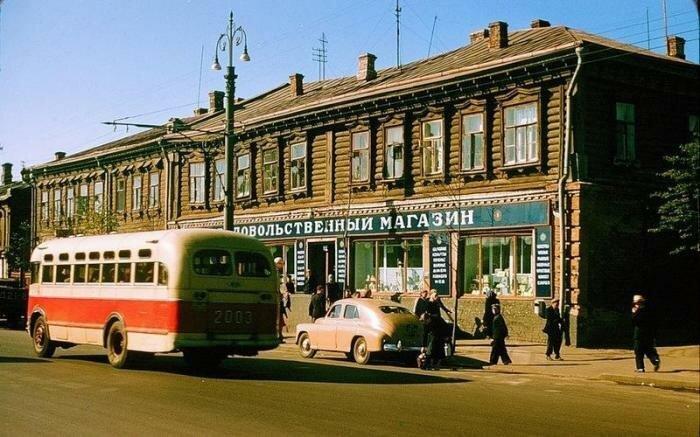 Москва, СССР, 1956 год. Продовольственный магазин