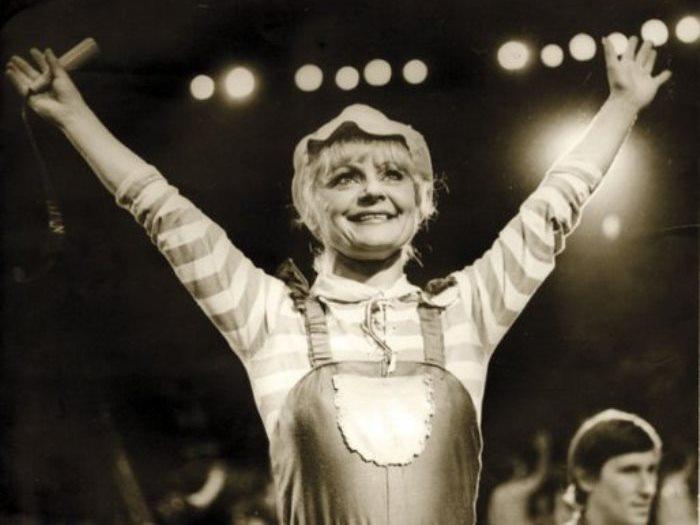 """Ириска из """"АБВГДейки"""": жизнь и смерть под куполом цирка  Асмус, жизнь, ириска, смерть, цирк"""