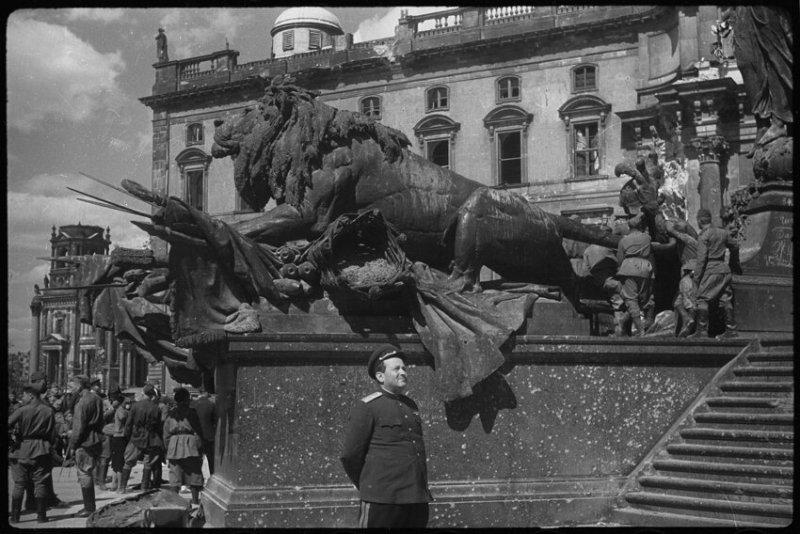 Акт о безоговорочной капитуляции Германии, 8 мая 1945 года значимые, исторические факты, особенные, редкие, события. фото