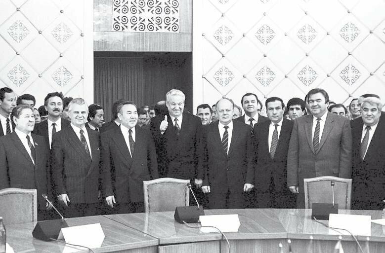 В Минске подписан договор о «Содружестве Независимых Государств» и роспуске СССР, 8 декабря 1991 года значимые, исторические факты, особенные, редкие, события. фото