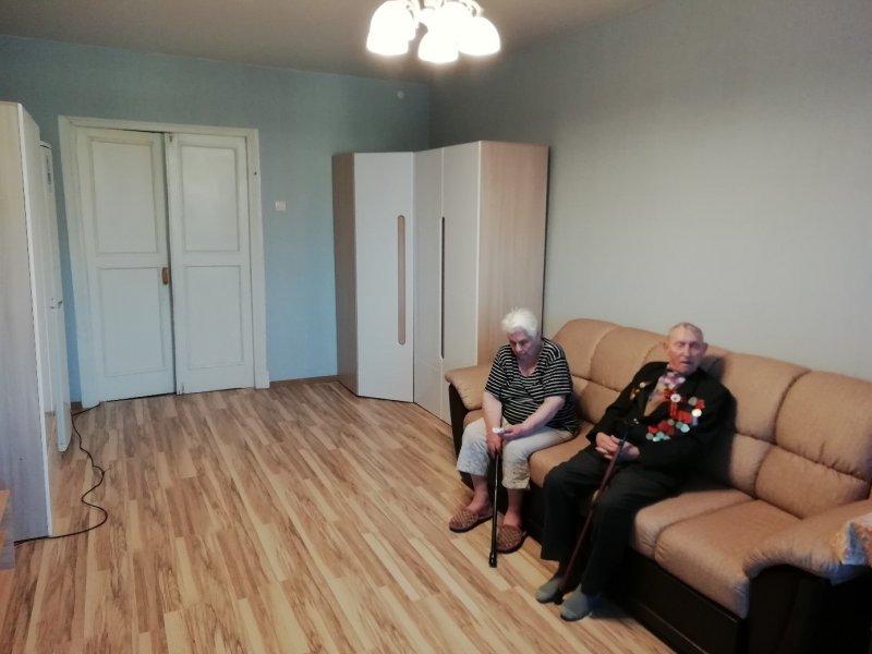 А вот как выглядит эта же комната после вмешательства Антона