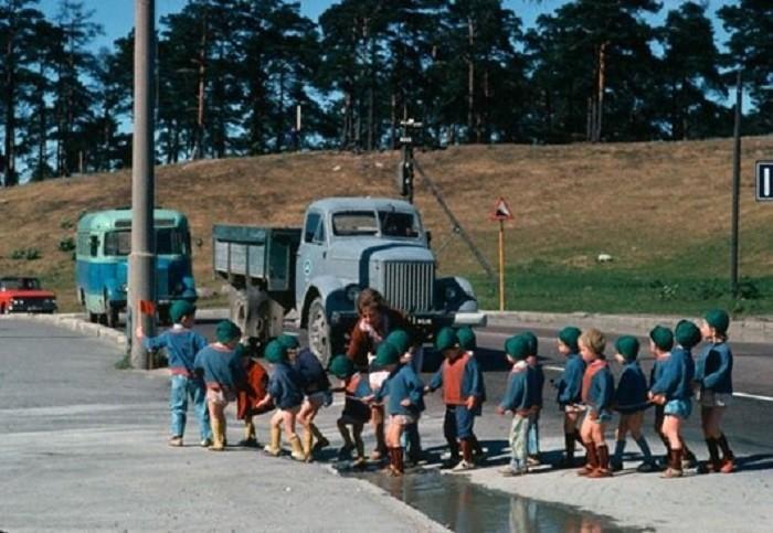 Детский сад на прогулке. Эстония, 1966 60-е, история, ссср, фото