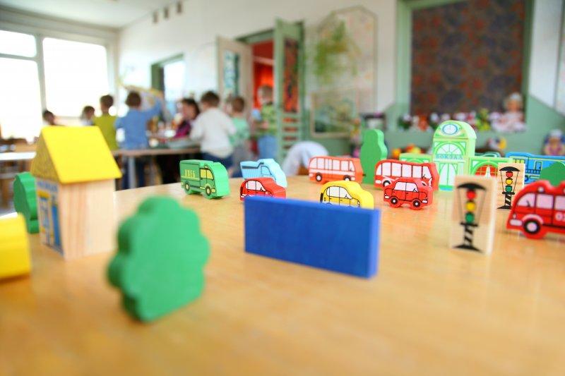 Россиянам, чьи дети не получили места в детском саду, предлагается выплачивать компенсацию
