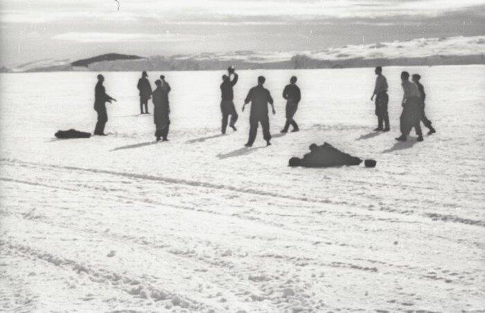 """Волейбол в Антарктиде. Станция """"Мирный"""", 1956 год"""