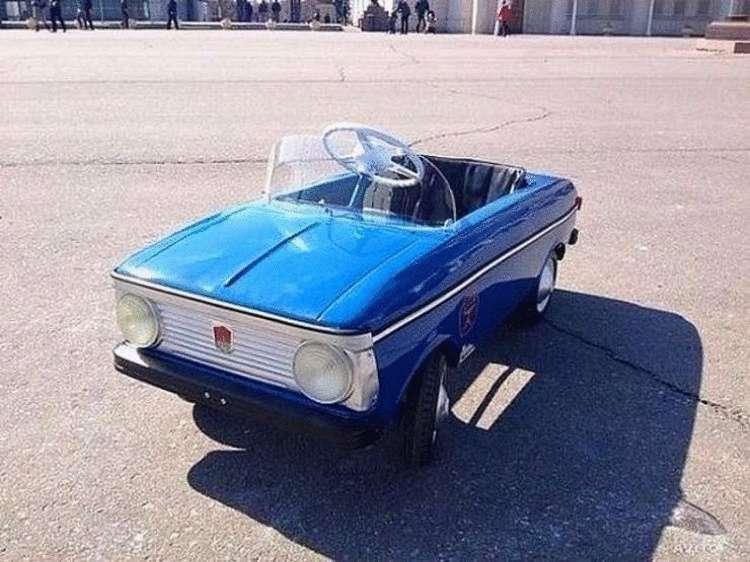 Детский педальный автомобиль из СССР