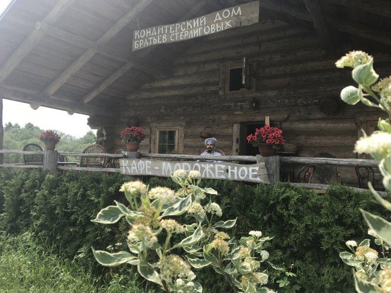 Стерлигов закрыл свои магазины, занявшись доставкой продуктов на дом