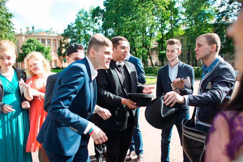 Эксперты подсчитали стоимость российского выпускного