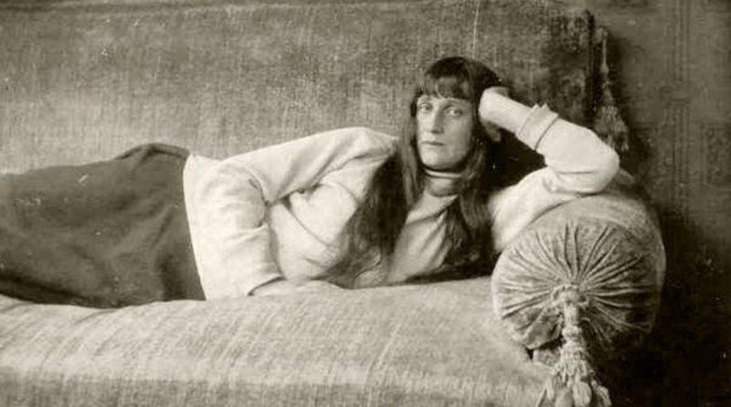 """""""И легких рифм сигнальные звоночки"""": 130 лет со дня рождения Анны Ахматовой"""