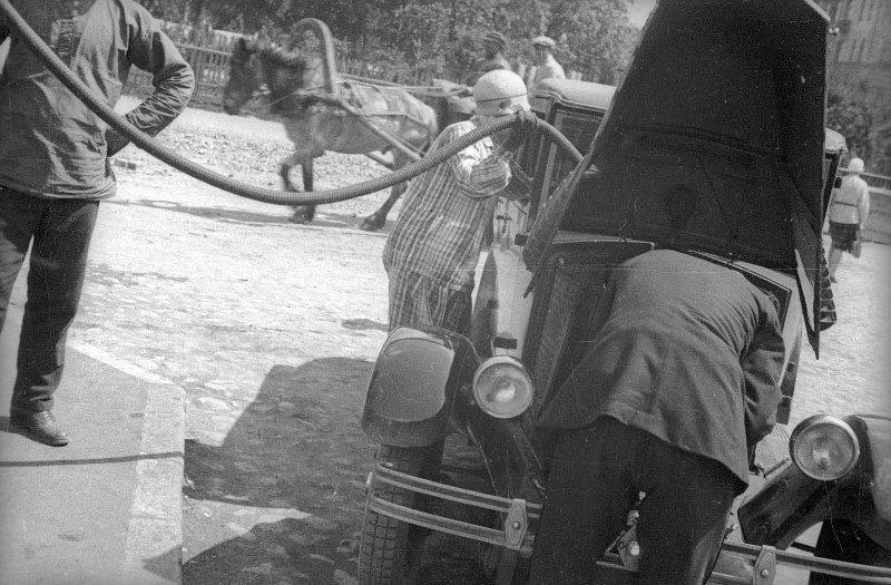 """Поездка музы Маяковского в Ленинград на дефицитном """"Рено"""""""