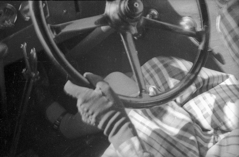 Лиля Брик за рулем