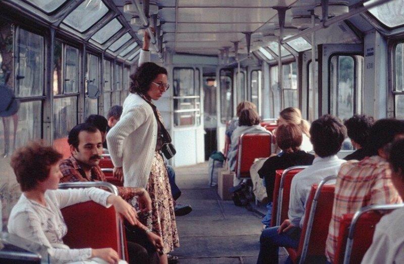 В трамвае, Ленинград, 1979 год