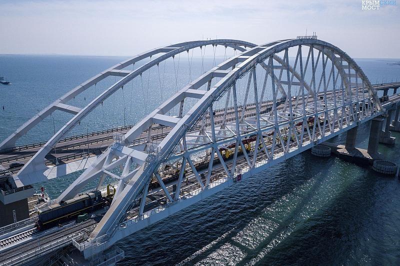 На Крымском мосту зафиксировали новый рекорд трафика