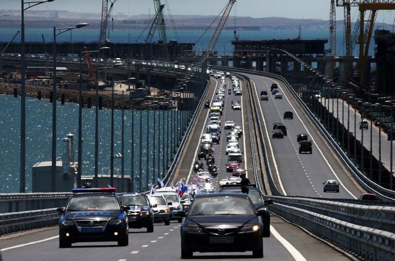 На Крымском мосту зафиксировали новый рекорд трафика  Крымский, движение, мост, пролив, трафик