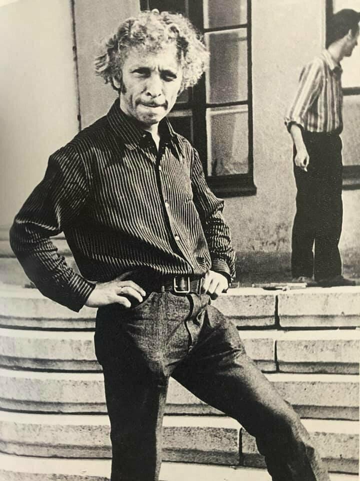 Пьер Ришар на ступеньках Дворца культур, Свердловск, 1968 год