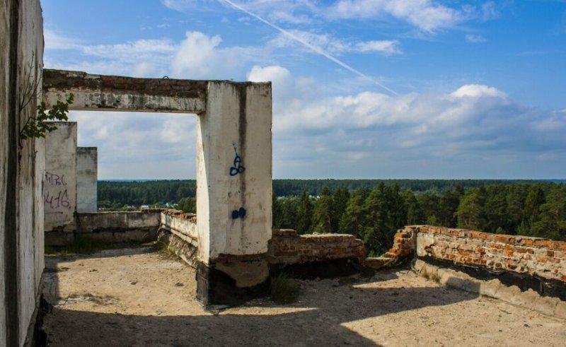 Отечественные заброшенные дома: опустошенность и красота на одной территории