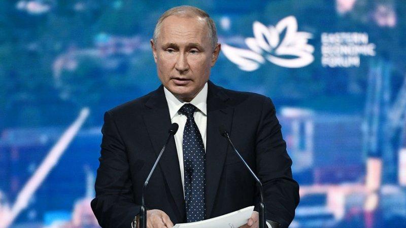 Владимир Путин считает, что молодежные протесты приносят пользу