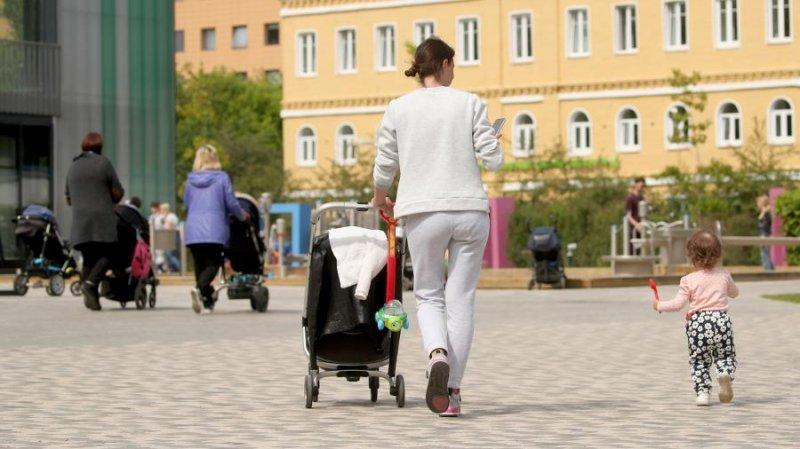 В России выделят втрое больше средств на родительские пособия